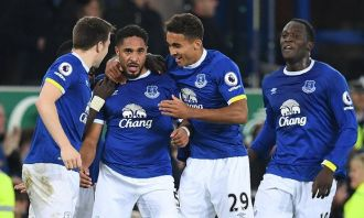 Williams heads Everton to win over Arsenal