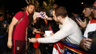 Oblak: PSG consider meeting €100m clause for Atleti 'keeper